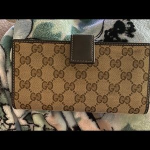 Authentic Gucci Wallet brown